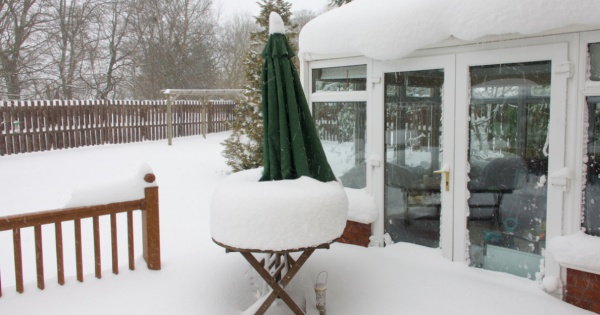 snowy conservatory room without a warm roof 2