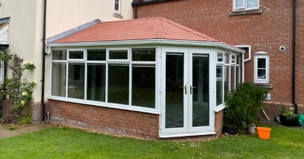 Reduce noise and sun glare with a guardian warm roofs approved by the LABC. (1)